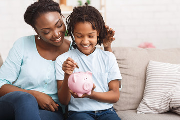 4 Tips for Teaching your Children Financial Literacy