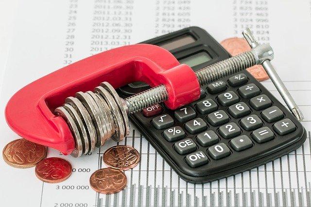 Choosing between Debt and Equity Capital
